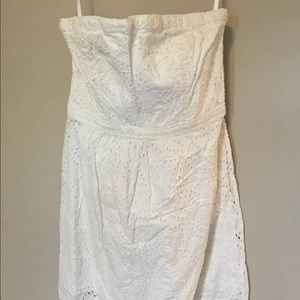 PREOWNED WOMENS GAP STRAPLESS EYELET LACE DRESS 8